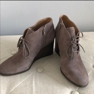 💕 Lucky brand wedge tan booties must sell  8.5 💕
